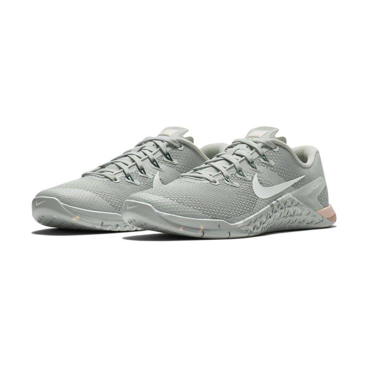 adesivo per scarpe nike