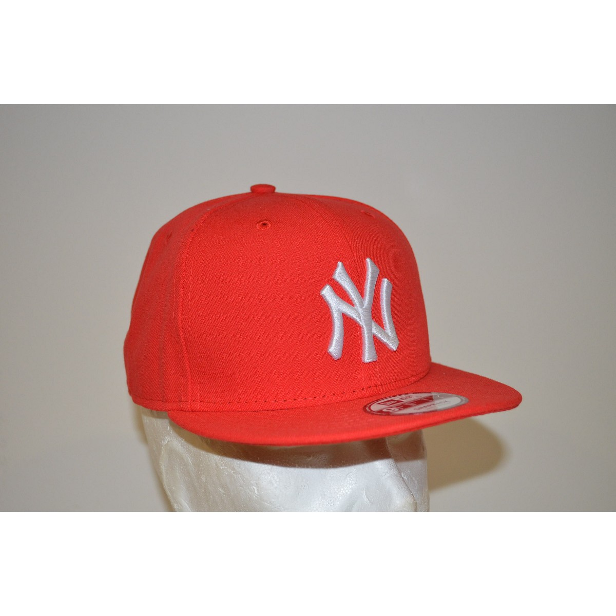 Cappello new era 9fifty league basic nyy rosso 9fifty for Logo cappello rosso